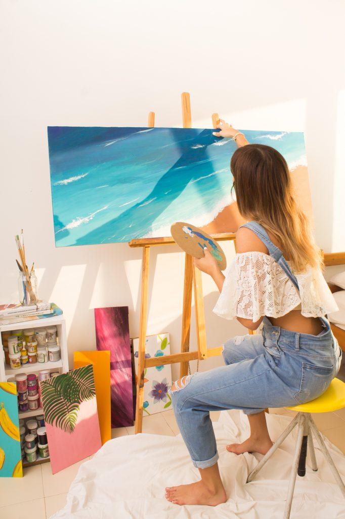 Alkitu - Valeria Urdaneta pintando